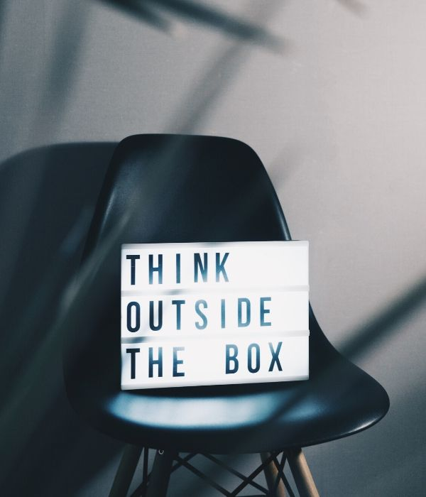 u-kemm_think outside the box